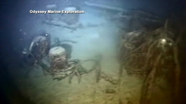 VIDEO: Divers uncovered $200,000 million in silver from ship sunken by a Nazi torpedo.