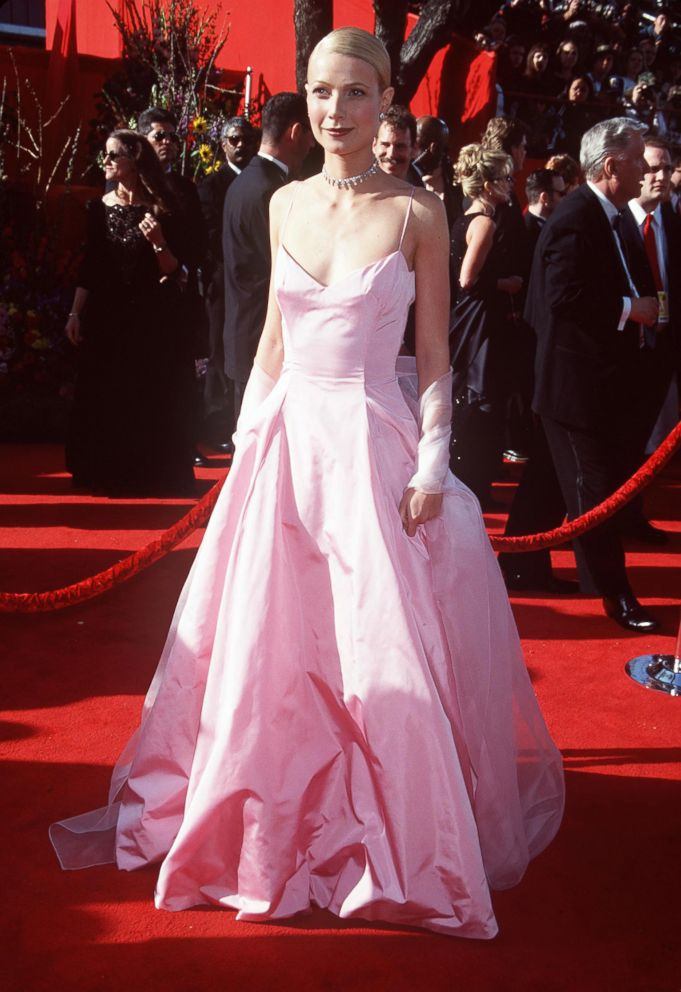 PHOTO: Gwyneth Paltrow attends the 71st annual Academy Awards.