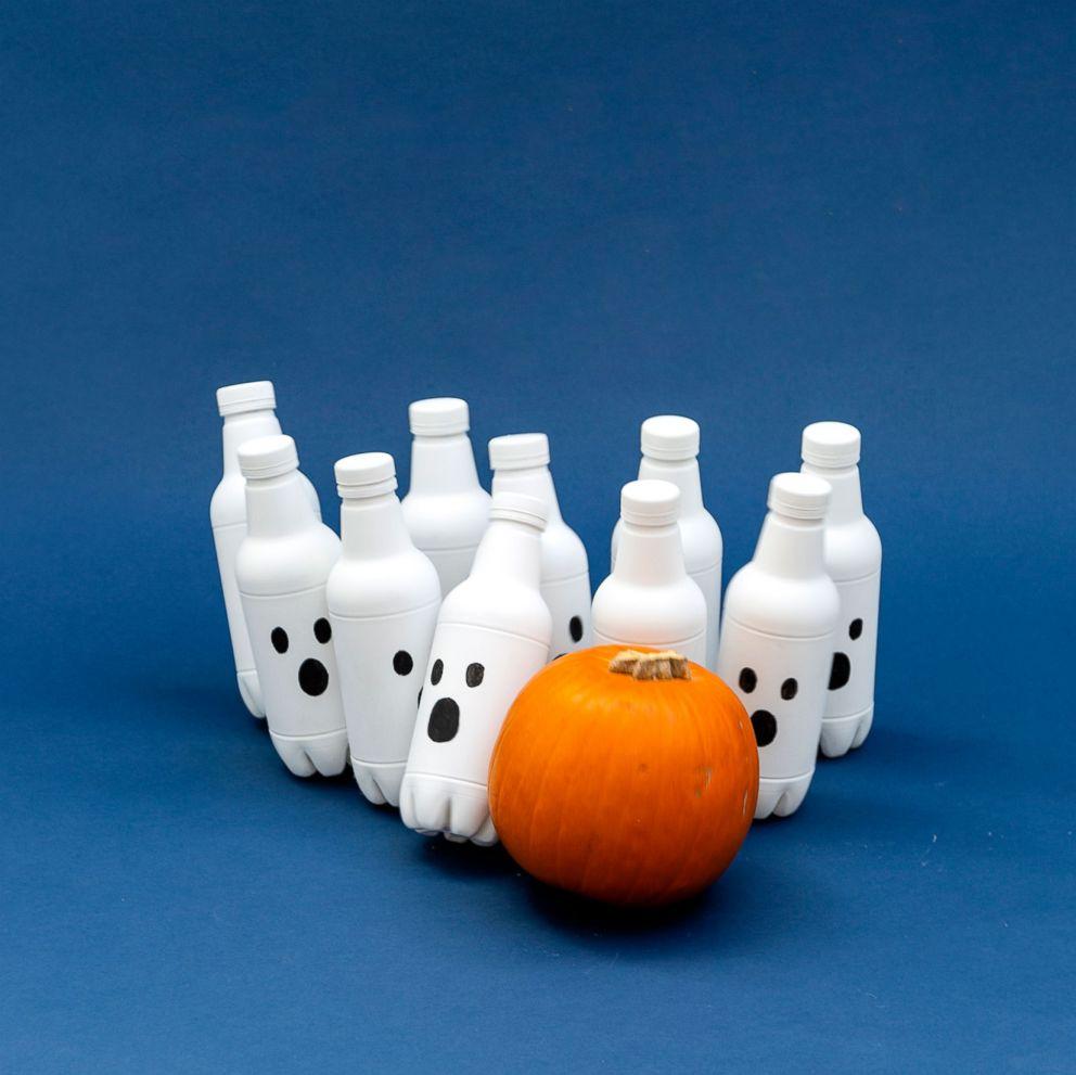 PHOTO: Halloween Pumpkin Bowling.