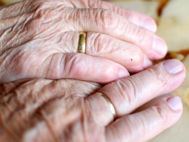 Couple married 71 years die on same day, just 12 hours apart