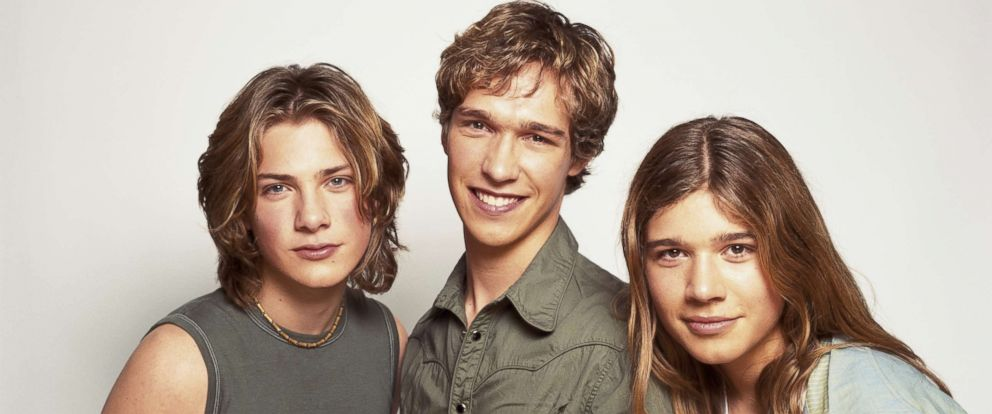PHOTO: American pop rock band Hanson, circa 2000. They are brothers Isaac, Taylor and Zac Hanson.