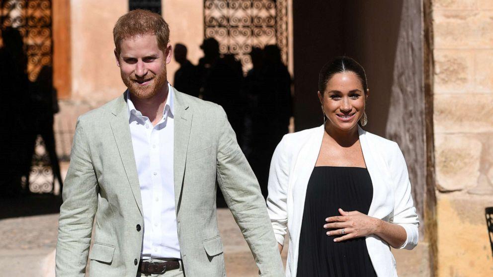 Royal baby receives over 200 toys on Australia tour
