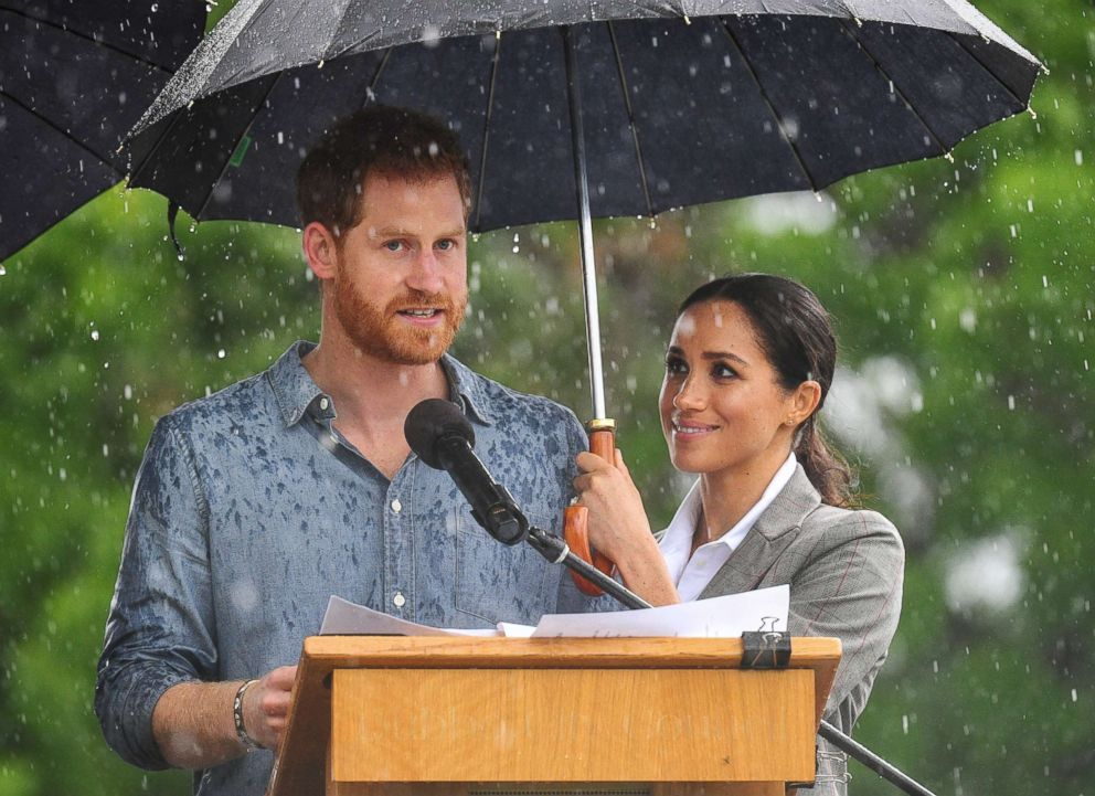 PHOTO: Prince Harry and Meghan Markle, the Duke and Duchess of Sussex in Dubbo, Australia, Oct. 17, 2018.