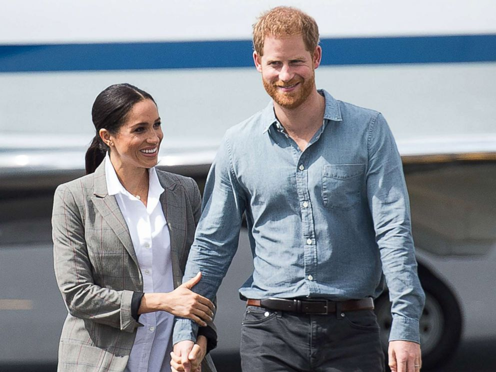 PHOTO: Meghan Markle and Prince Harry, The Duke of Sussex and Meghan, The Duchess of Sussex arrive at Dubbo Airport, Australia, Oct. 17, 2018.