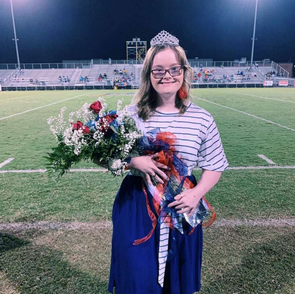 PHOTO: Nataleigh Deal, 19, was crowned homecoming queen at at Strom Thurmond High School.