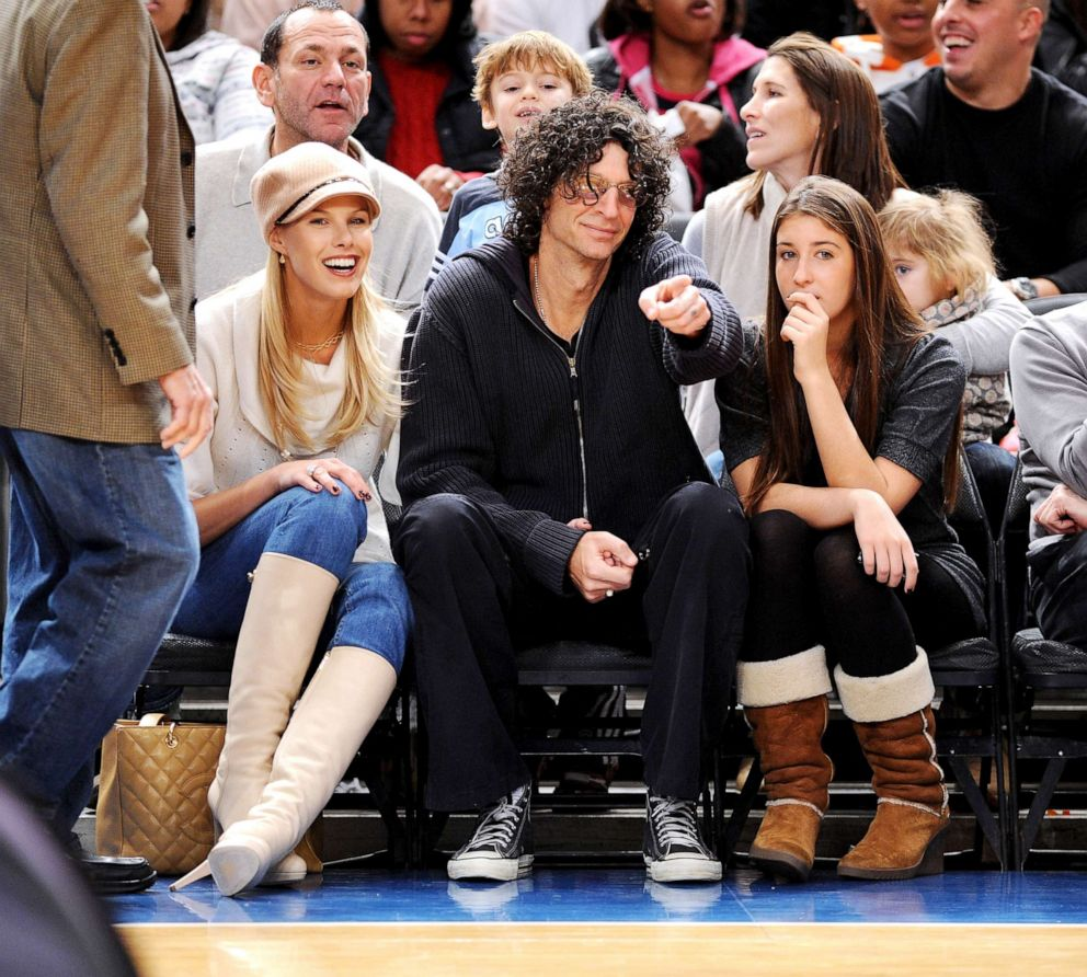 PHOTO: Beth Ostrosky, Howard Stern and daughter, Ashley, attend the Utah Jazz vs New York Knicks game at Madison Square Garden on Nov. 9, 2008, in New York City.