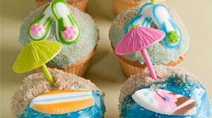 Photo: Buddy Valastros beach cupcakes