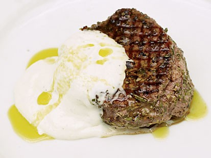 Photo: Grilled Skirt Steak With Horseradish Sauce: Pair With a Salad or Some Potatoes