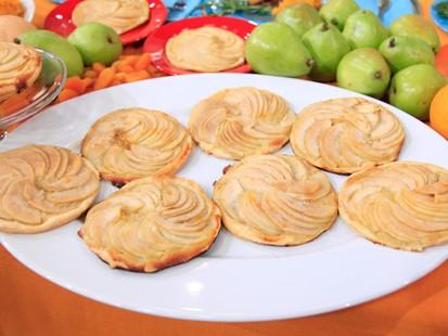 PHOTO Pear Tartlets with Homemade Crème Fraiche