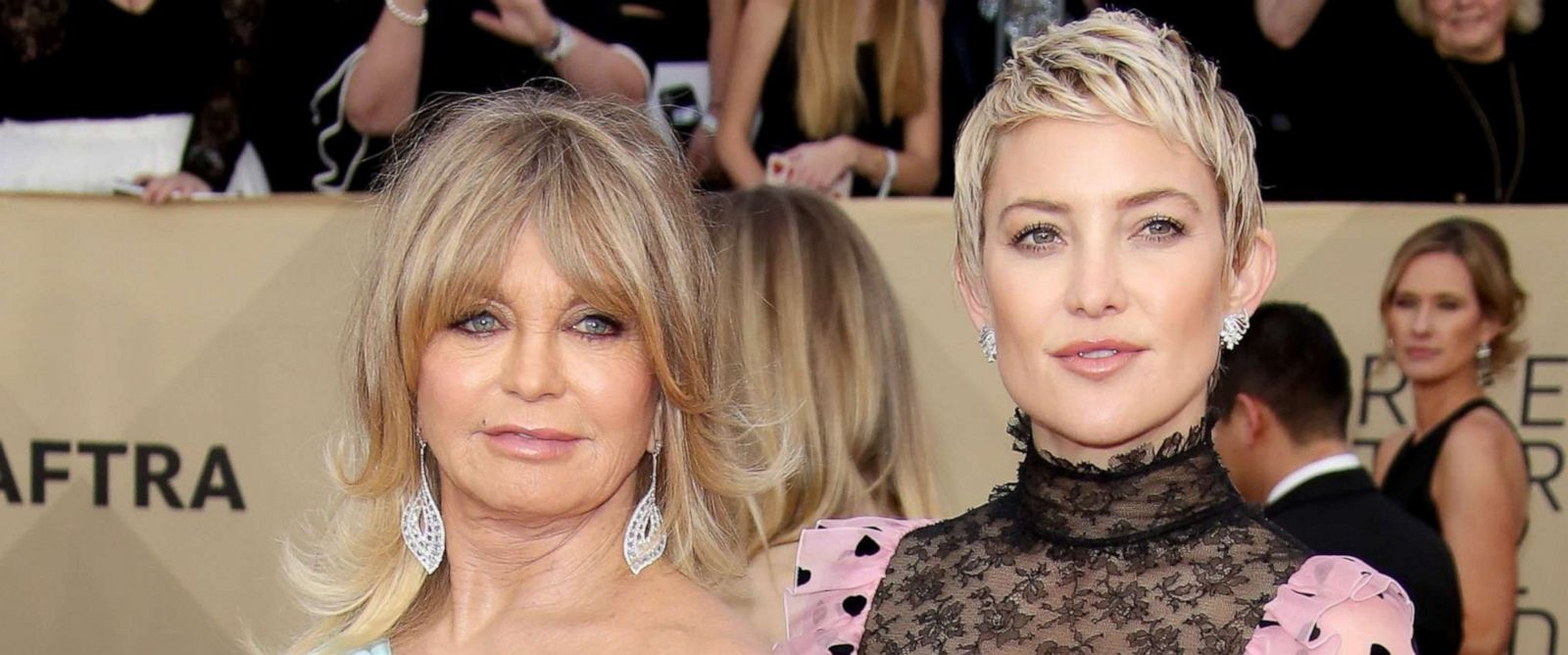 PHOTO: Goldie Hawn and Kate Hudson arrive at the 24th annual Screen Actors Guild Awards at the Shrine Auditorium, Jan. 21, 2018, in Los Angeles.