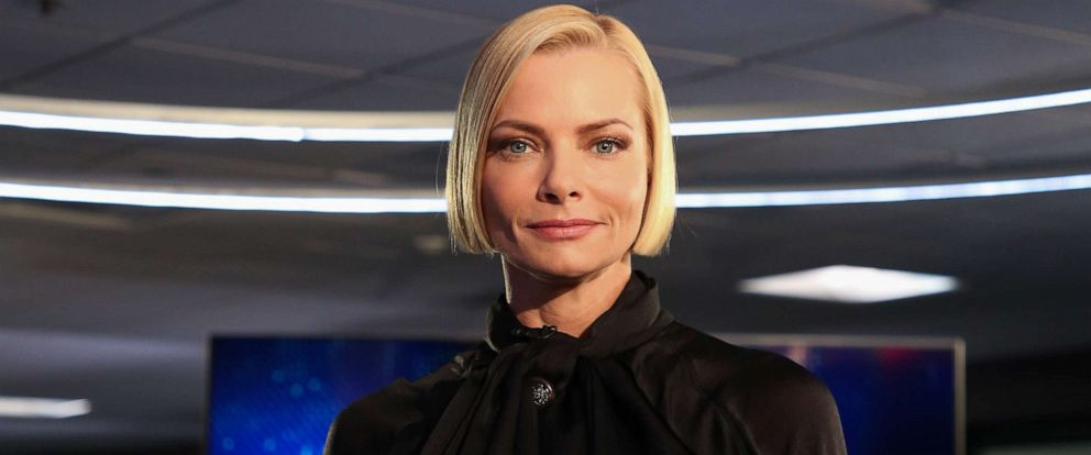"PHOTO: Actress Jaime Pressley visits ""Extra"" at Burbank Studios on Oct. 2, 2019 in Burbank, Calif."