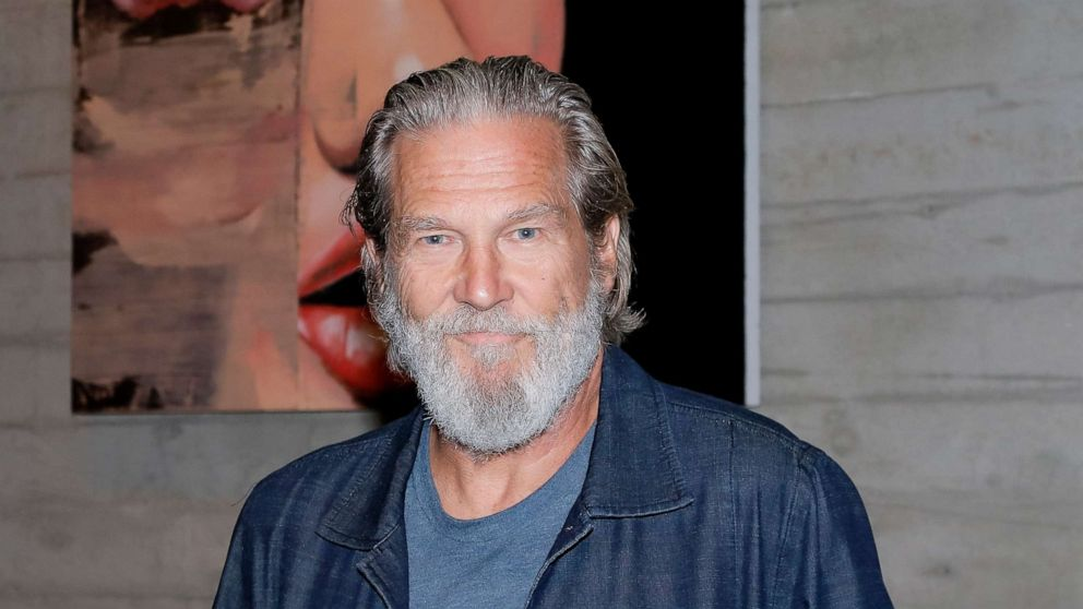 Jeff Bridges says his cancer is in 'remission,' details battle with COVID-19
