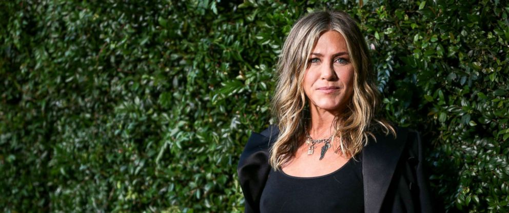 "PHOTO: Jennifer Aniston attends the Chanel dinner celebrating ""Our Majestic Oceans, A Benefit"" for NRDC, June 2, 2018, in Malibu, Calif."