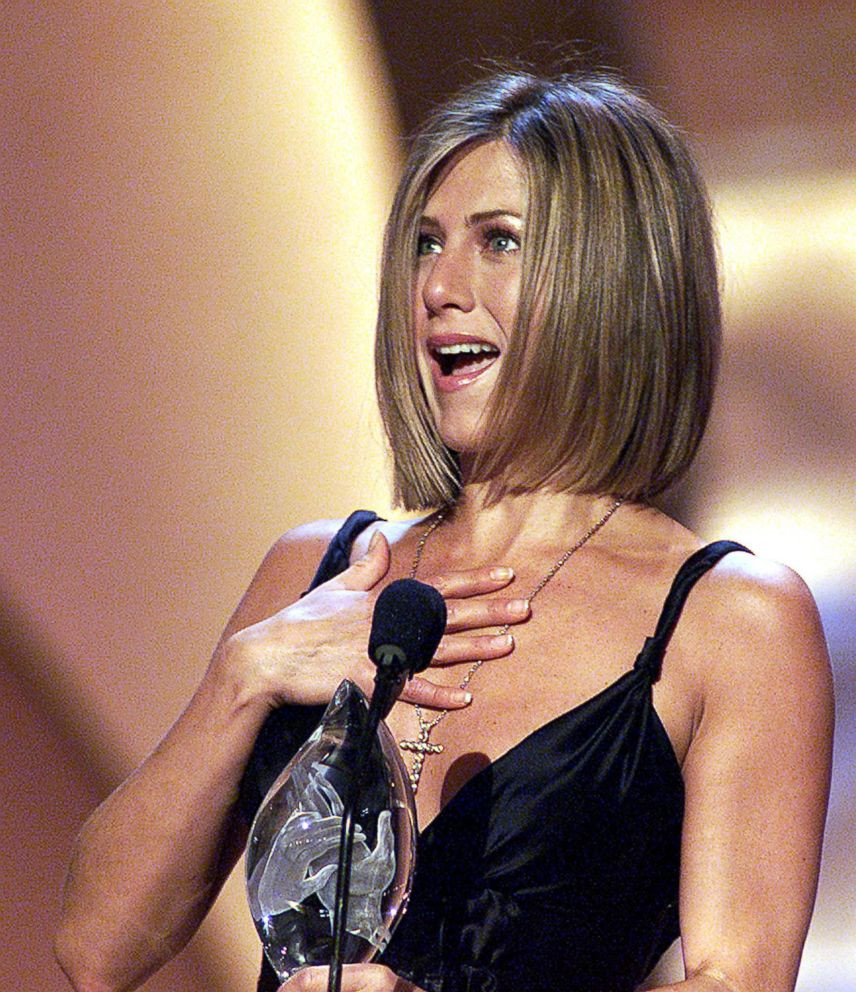 PHOTO: Actress Jennifer Aniston accepts her Peoples Choice Award for Favorite Female Television Performer during the 27th Annual Peoples Choice Awards, Jan. 7, 2001, in Pasadena Calif.