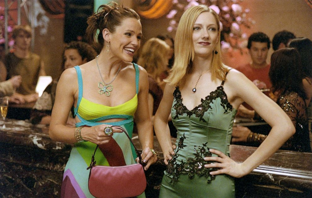 PHOTO: Jennifer Garner and Judy Greer in a scene from 13 going on 30.