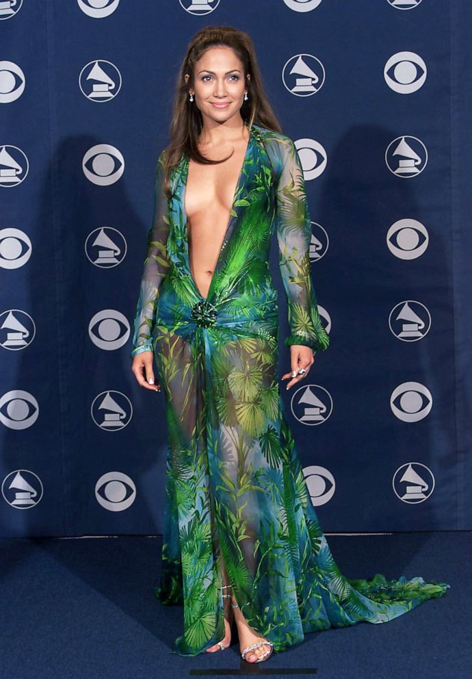 PHOTO: Jennifer Lopez attends the 42nd Grammy Awards held in Los Angeles, Feb. 23, 2000.