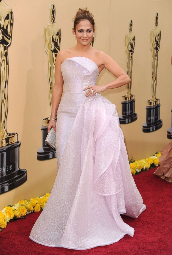 Jennifer Lopez arrives at the 82nd Annual Academy Awards in Hollywood, Calif., March 7, 2010.