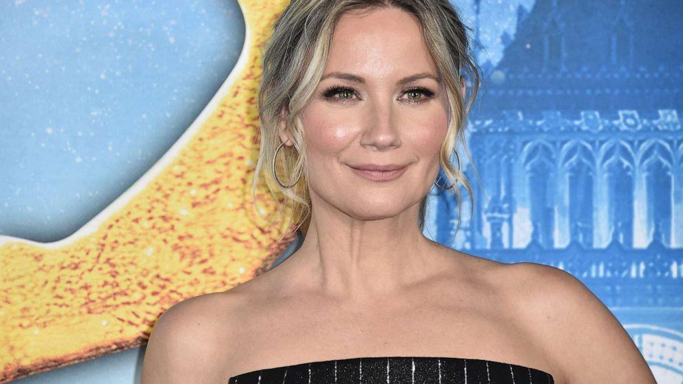 Jennifer Nettles to return to Broadway as lead in 'Waitress'