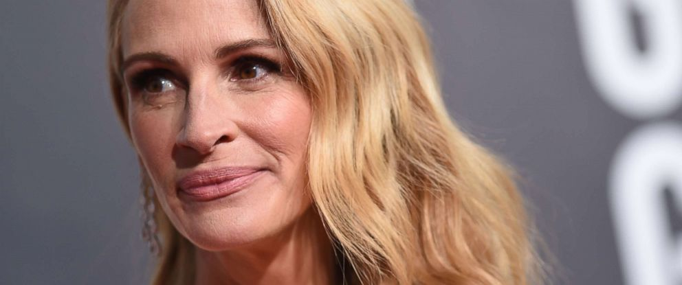 PHOTO: Julia Roberts arrives for the 76th annual Golden Globe Awards on Jan. 6, 2019, in Beverly Hills, Calif.
