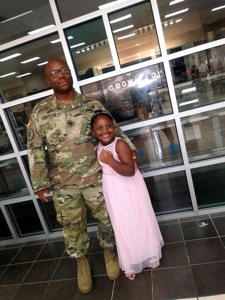 PHOTO: Kevin Matthews of the United States Army stunned his daughter Kylar Matthews, 7, as he walked through the doors of Lamkin Elementary School in Texas, March 29, 2019.