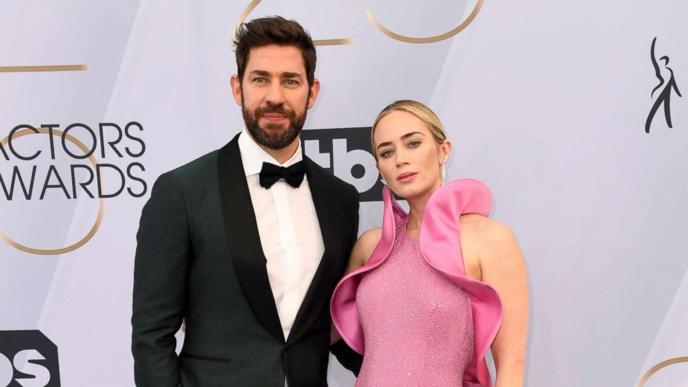 John Krasinski and Emily Blunt attend the 25th annual Screen Actors'Guild awards at the Shrine Auditorium, Jan. 27, 2019, in Los Angeles.