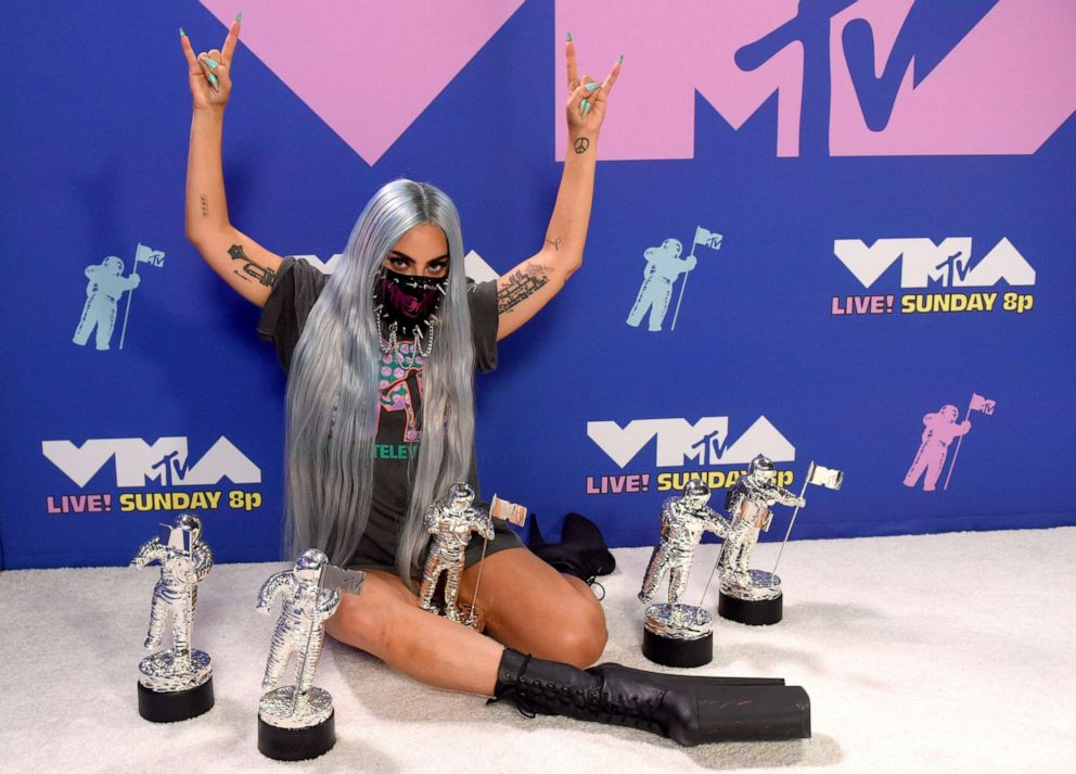 Lady Gaga S Face Masks Steal The Show At Mtv 2020 Video Music Awards Abc News