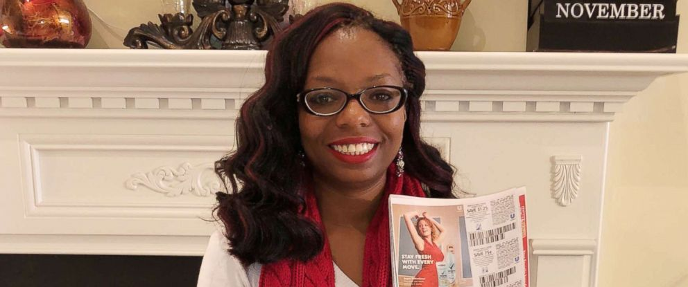 PHOTO: Latiaa Stewart, of Antioch, Tennessee, uses coupons to help provide care packages for homeless people.