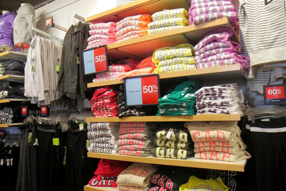 Gap Outlet retail display.