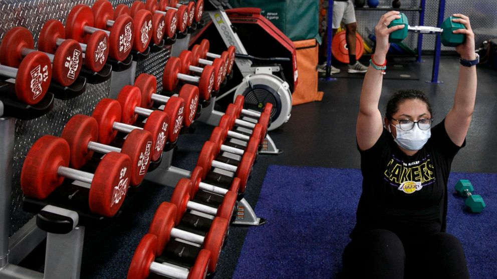 Gyms stay open as COVID-19 cases rise: What to know about safety thumbnail