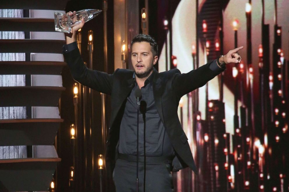 PHOTO: Luke Bryan wins Entertainer of the Year at the 49th annual CMA Awards at the Bridgestone Arena in this Nov. 4, 2015 file photo in Nashville, Tenn.