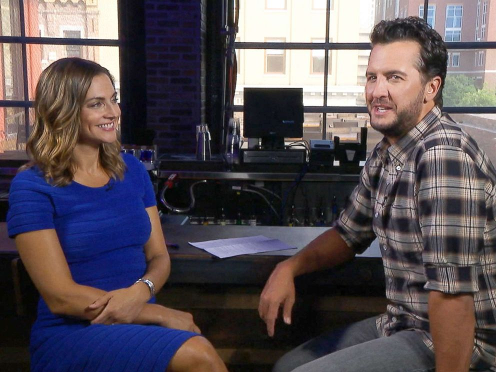 PHOTO: CMA nominee Luke Bryan appeared in an interview with Paula Faris on Good Morning America.