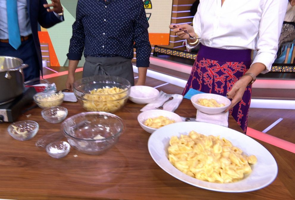 PHOTO: Chef Michael Symons decadent stove top mac and cheese for Good Morning America, Nov. 8, 2019.