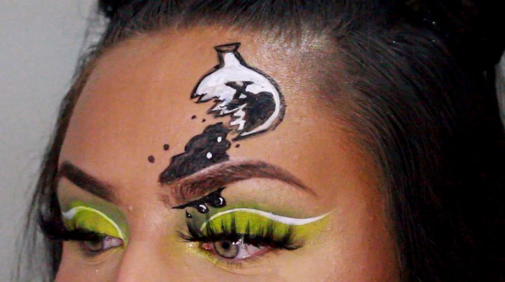 PHOTO: Beauty Vlogger Madaline Pompeii creates The Powerpuff Girls Halloween makeup.
