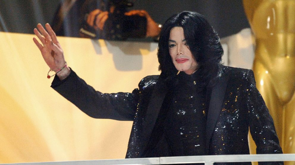 Michael Jackson receives the Diamond Award during the 2006 World Music Awards, Nov. 15, 2006, in London.