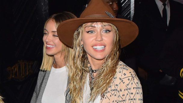 Miley Cyrus' fans are freaking out over her new 'modern mullet'