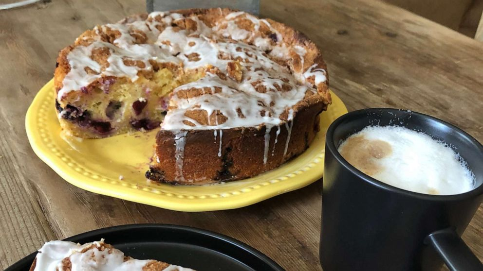 How to make lemon-blueberry cream cheese coffee cake for Mother's Day