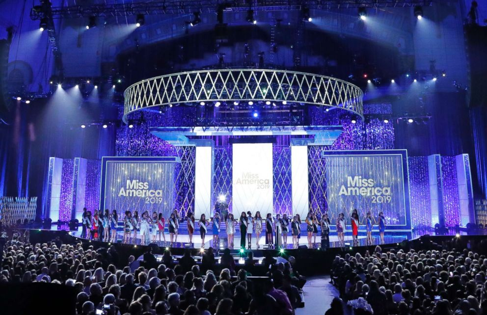 PHOTO: Miss America 2019 contestants take the stage at Boardwalk Hall in Atlantic City, N.J., Sept. 9, 2018.