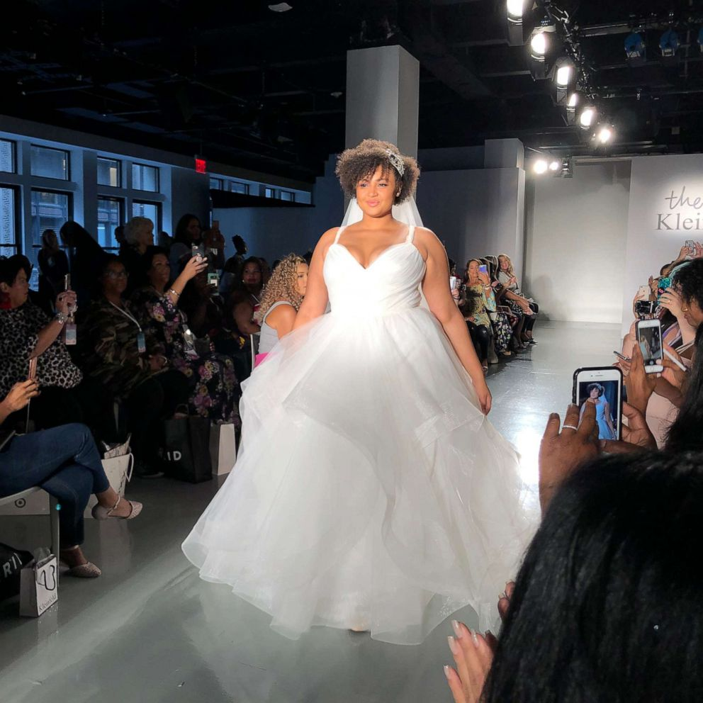 The Knot and Kleinfeld host New York Fashion Week's first