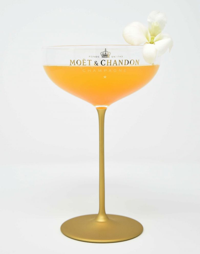 PHOTO: The Moet Belle by Camilla Belle is this years official cocktail of the Golden Globes made with cachaca, mango, ginger, lime and champagne.