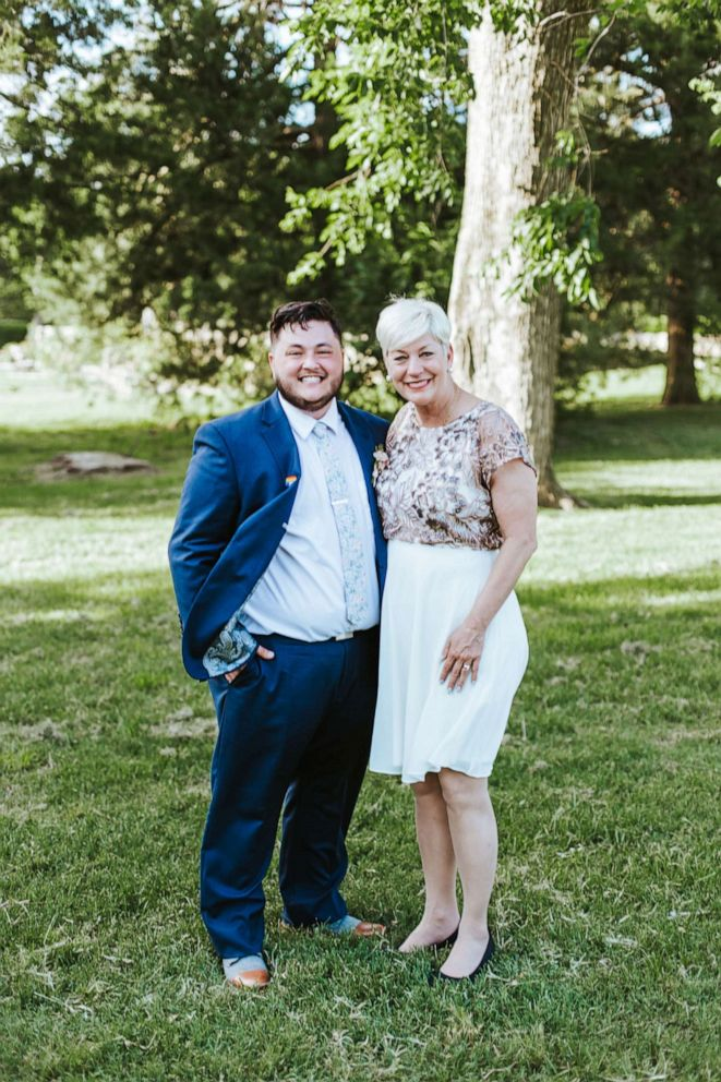 PHOTO: Sara Cunningham of Oklahoma City, Oklahoma, stood in for Sam Hedricks mother as he married on June 2, 2019.
