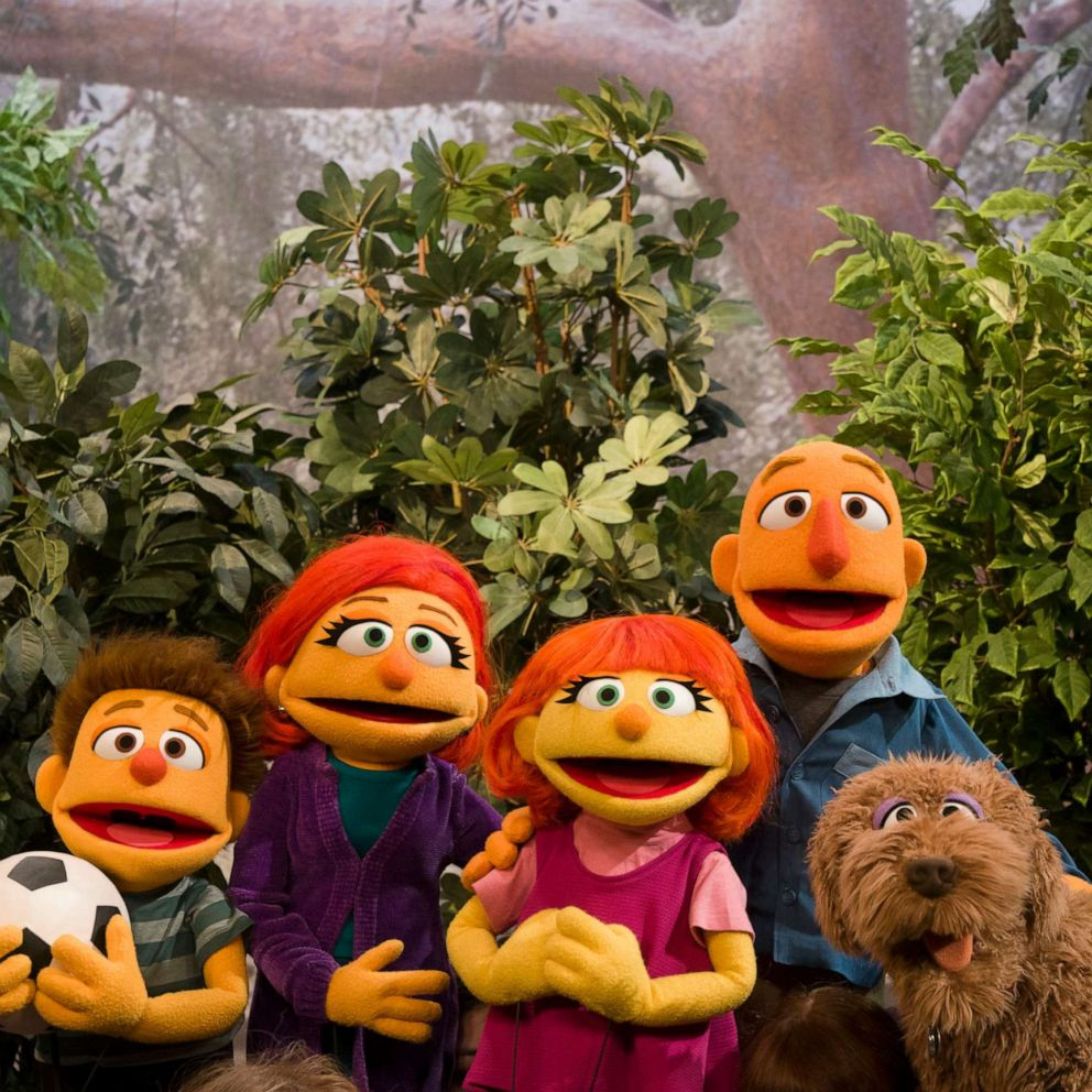 What Muppet With Autism Means To My >> Sesame Street Introduces Julia S Family Rolls Out New Resources