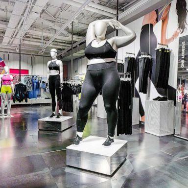 'plus Mannequins Size' Nike's DebateGma Spark 5q4Lc3RAj