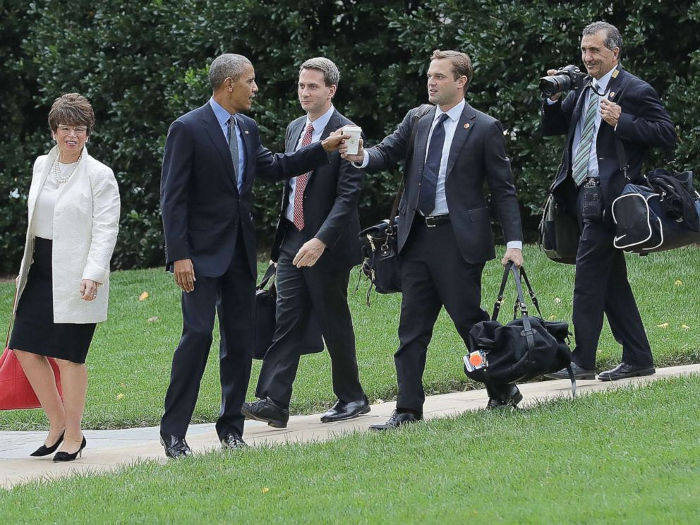PHOTO: In this file photo, President Barack Obama is joined by advisor Valerie Jarrett, Principal Deputy Press Secretary Eric Schultz, personal aide Joe Paulsen and photographer Pete Souza as they depart the White House, Oct. 7, 2016, in Washington, DC.