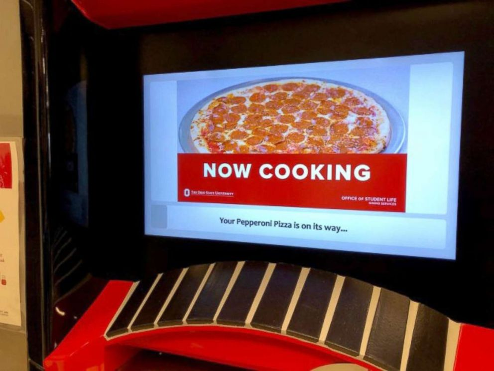 PHOTO: The cooking screen while ATM pizzas are in progress.