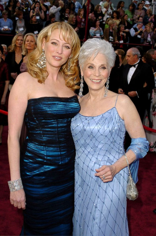 4f87b7f24b4b4 20 celebrities who brought their moms to the Oscars and melted our ...