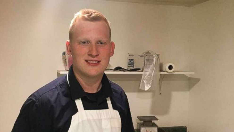 Hero pizza employee travels over 7 hours to bring cancer patient favorite pie