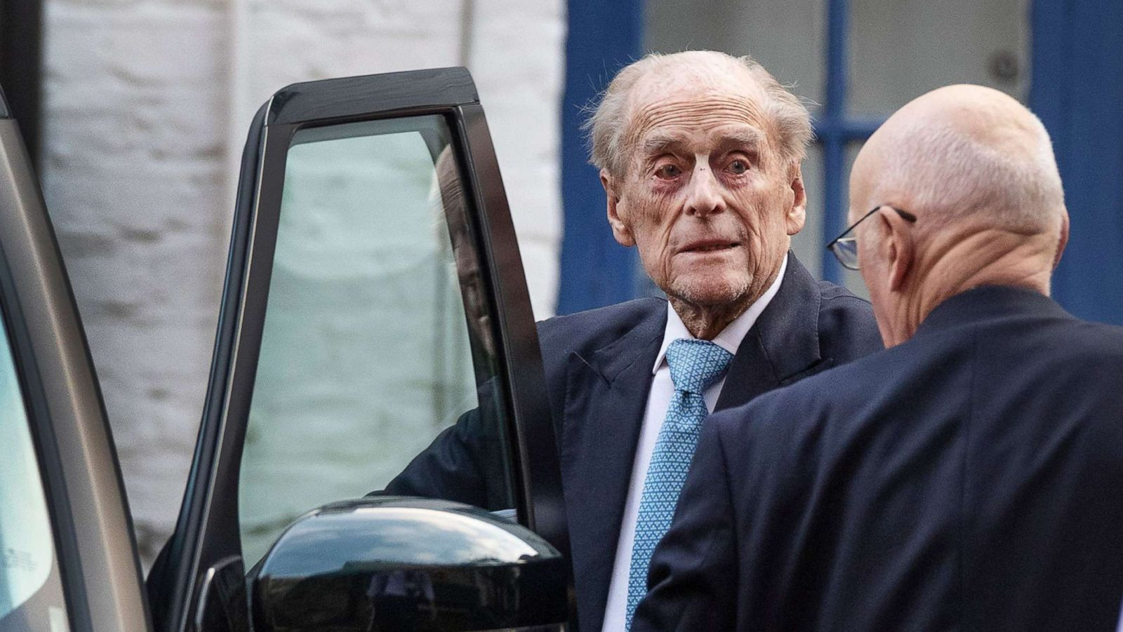 The Queen On Christmas Day 2021 Prince Philip 98 Released From Hospital On Christmas Eve Abc News