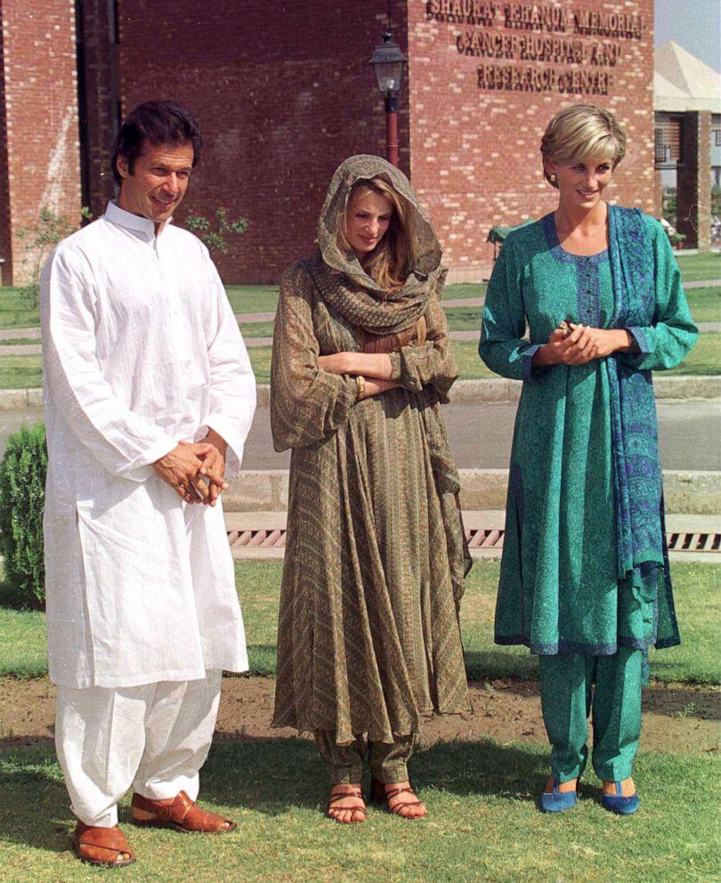 PHOTO: Diana, Princess Of Wales visits the Shaukat Memorial Hospitalin Lahore, Pakistan, with Imran Khan, left, and Jemima Khan, May 22, 1997.