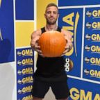 The Jack-O'-lantern swing strengthens the core, back and shoulder muscles.