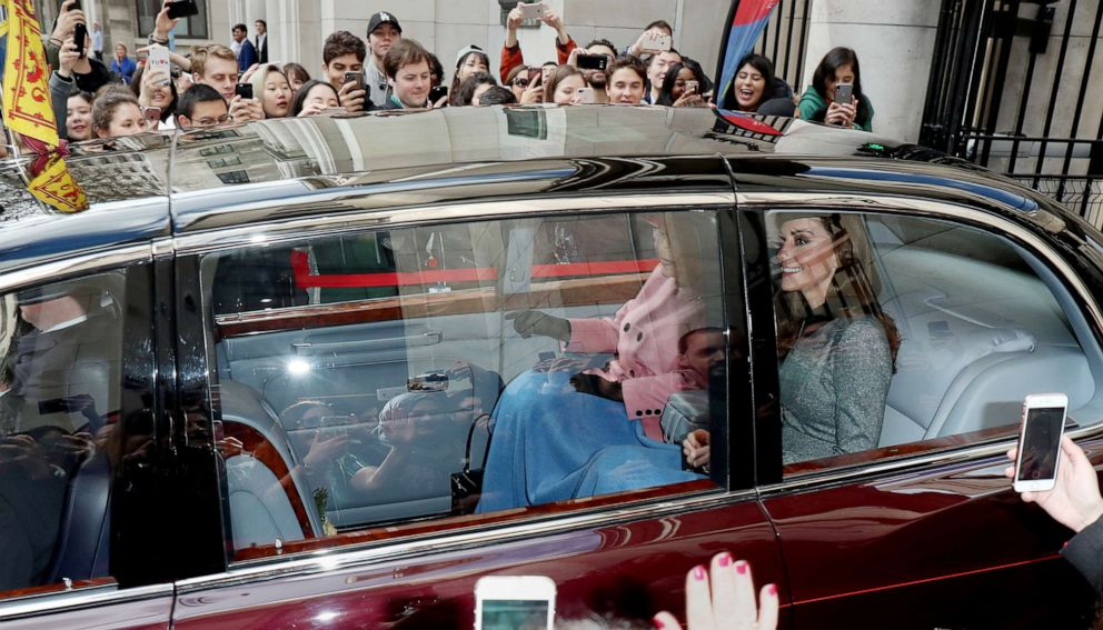 PHOTO: Queen Elizabeth II and Catherine, Duchess of Cambridge depart Kings College London on March 19, 2019 in London, England after officially opening Bush House, the latest education and learning facilities on the Strand Campus.